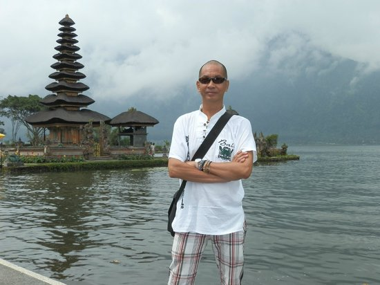 Ulun Danu Temple: This is the Bali scene everyone is looking for ..a mist-covered temple