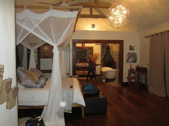 Escarpment Luxury Lodge : Room