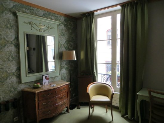 Hotel de Fleurie: Lovely decor