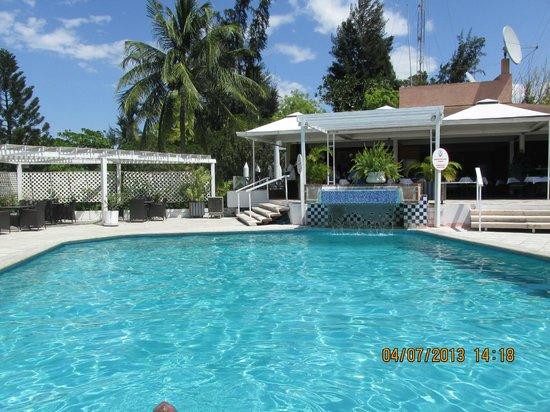 Visa Lodge : More pool area