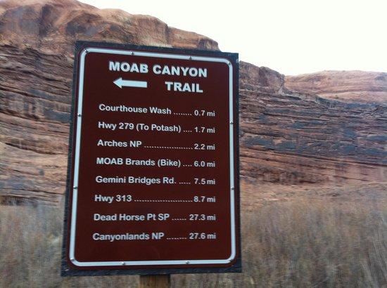 Moab Valley RV Resort & Campground: trail system across the road!