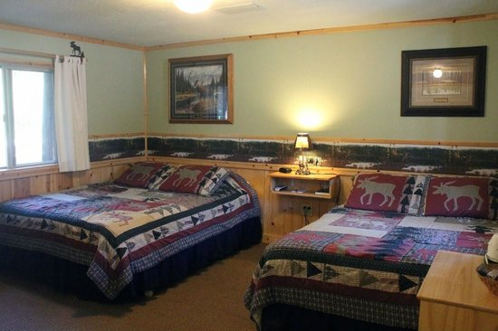 Glacier Haven Inn: Moose Room