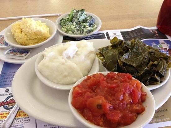 Mrs. Rowe's Restaurant and Bakery: veggie plate