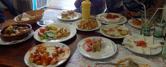 Casa Luis: Our tasty feast.