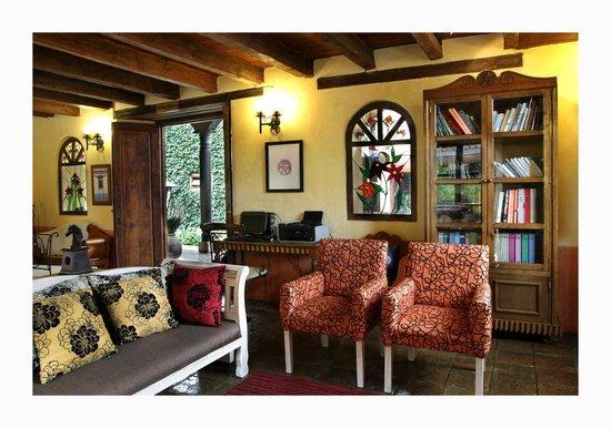 Hotel Casavieja: Salon de lectura