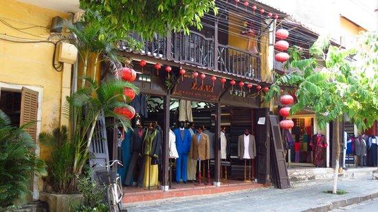 Van Cloth Shop Photo