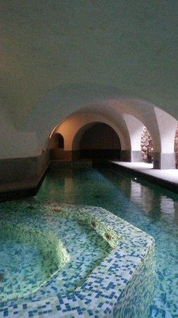 Cappuccini Franciacorta Resort: la piscina in grotta