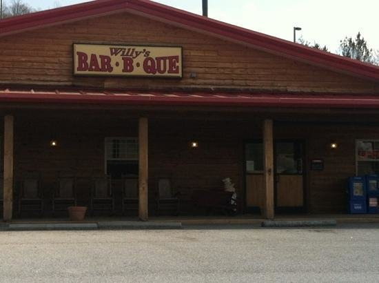 Willy's Bar-B-Que: Willy's, Franklin N. C. 2013