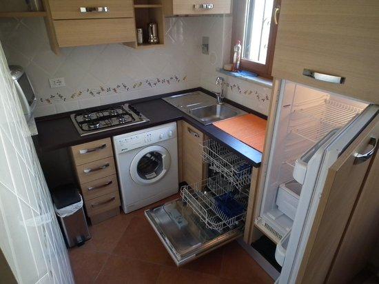 Anthony BB: Kitchen Anthony house