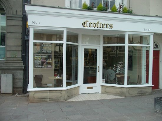 Crofters: Sitting nicely in the Market Place.