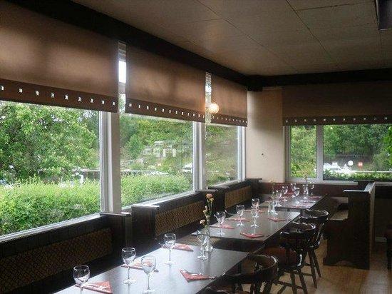 Carrybridge Hotel: West island dining