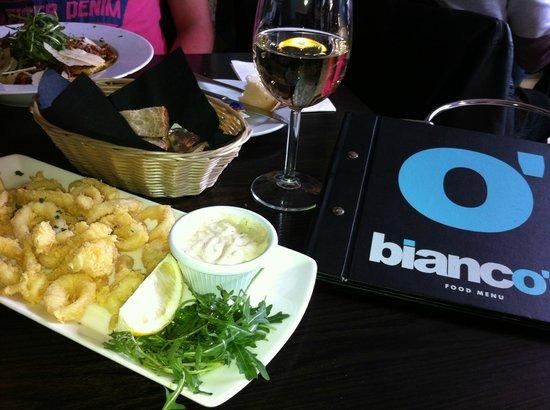 Bianco's: Kalmary, białe wino