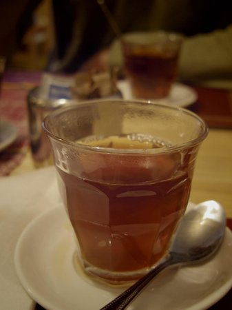Kokeb Ethiopian Restaurant: Tea with spices! Made us get that cosy christmas feeling!