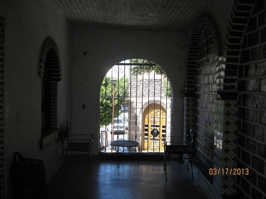 La Posada San Miguel: View out to street