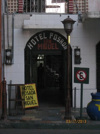 La Posada San Miguel: Entrance to hotel
