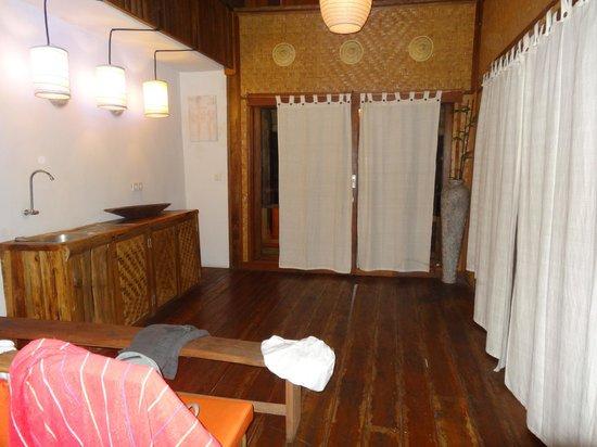 Villa Surya Abadi: une partie de la chambre