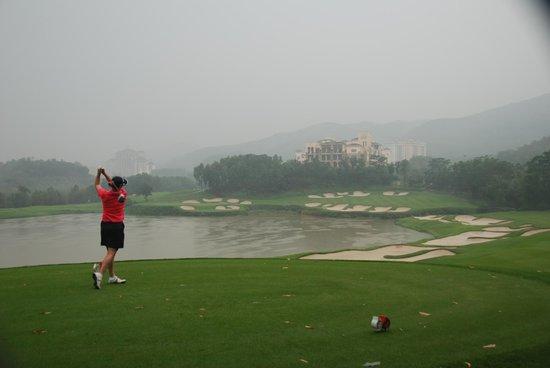 Mission Hills Golf Club: 15th Hole Olazabel Course