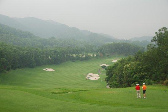 Mission Hills Golf Club: 1st Hole Olazabel Course