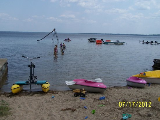 Lagoon Resort & Motel : Beach toys