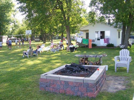 Lagoon Resort & Motel: Fire pit