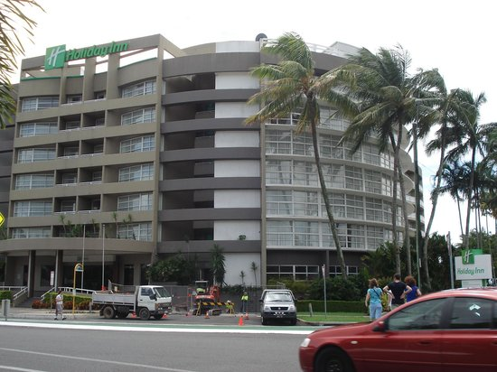 DoubleTree by Hilton Hotel Cairns: Construction in the drive was not a problem.