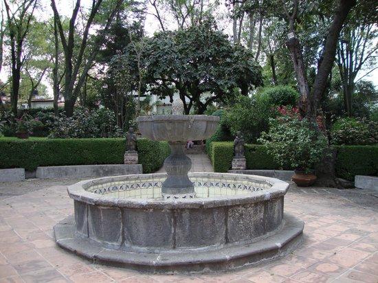 Restaurante Antiguo San Angel Inn : Central fountain in the back