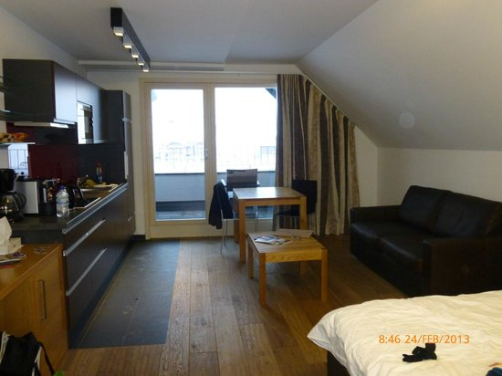 Alpin Silvretta Apartments: Main apartment living space