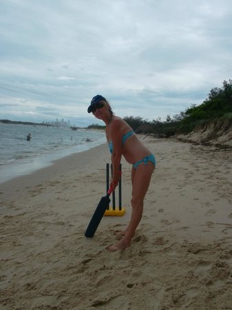Reef Ryder Island Cruise Gold Coast : Playing cricket with the crew and fellow passengers on the island
