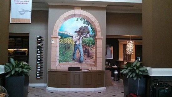 Hilton Garden Inn Napa: entryway ... very pretty