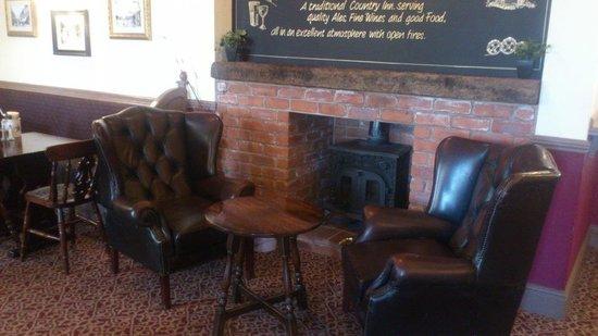 The Old Crown: Lounge & fire