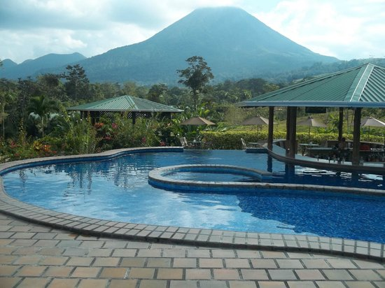 Arenal Manoa Hotel: One of the pools