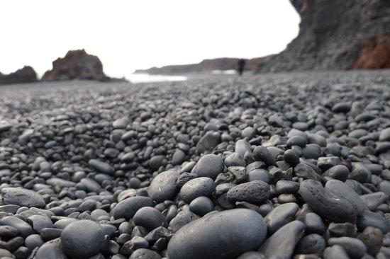Goecco Black Pebble Beach
