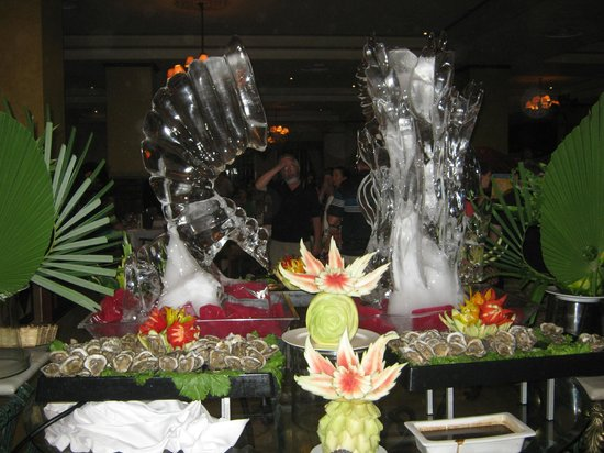 Grand Bahia Principe Jamaica: ice sculpture