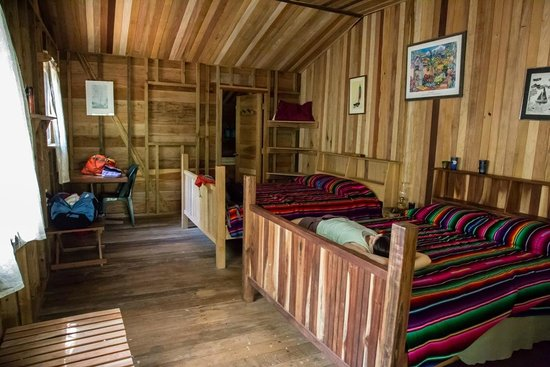 Moonracer Farm Lodging & Tours: The back room in the cabin