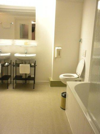 "B&B Bariseele: The Bathroom ""Ballroom"""
