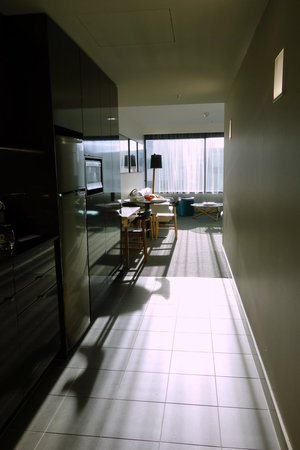 East Hotel: Sunny comfortable apartment