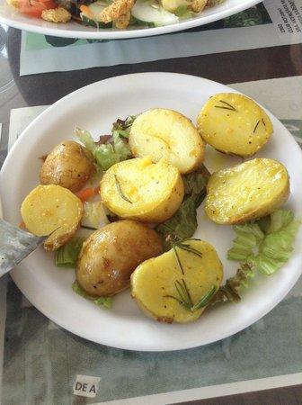 El Zaguan: papas salteadas