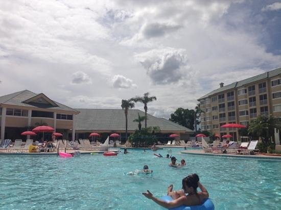 Silver Lake Resort: partly cloudy but a great pool side day