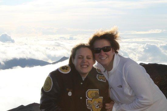 Gray Line - Polynesian Adventure Tours: at the summit 10,000+ feet