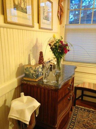 Hill House Bed & Breakfast : Flowers