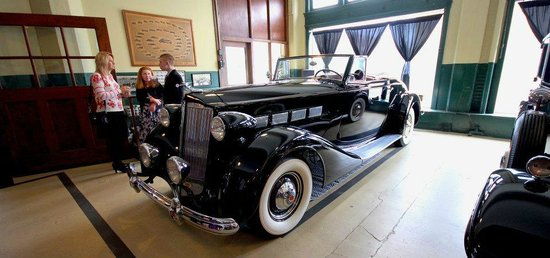 America's Packard Museum - The Citizens Motorcar Co.: Black Packard Covertable