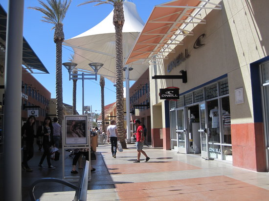 Town Square is a great outdoor mall when you are feeling brave enough to come outside and face the Vegas heat in the summer!!! There are plenty of activities to do here if 4/4().