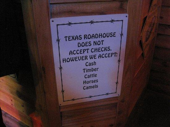 Texas Roadhouse: Sign inside the restaurant