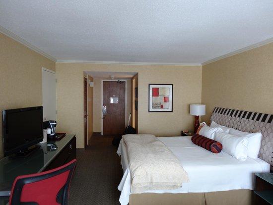 Hôtel Le Concorde Québec: Deluxe room