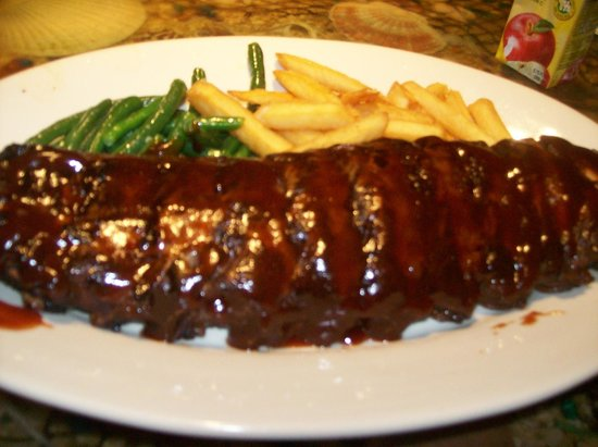 Capt'n Fishbone's Seafood Grill : Ribs & Fries & StringBeans off the Menu