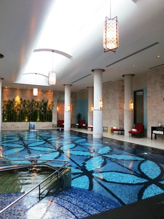 Four Seasons Istanbul at the Bosphorus: Heated Indoor pool