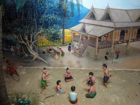 Ko Yo: Thaksin Folklore Museum display a series of delightful dioramas of southern Thailand life.