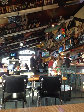 Nisqually Bar and Grill: inside