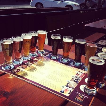 Upstream Brewing Company - Old Market Restaurant: yummy beer flight!