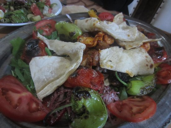 Gaziantep Kebab Salonu: FLAVOR